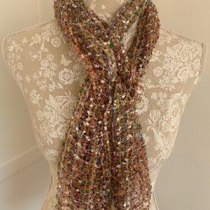 Mesh scarf golden tones
